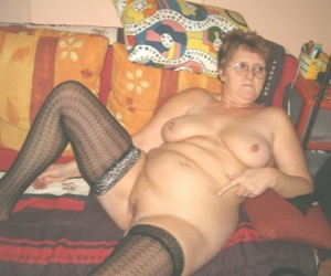 infirmiere coquine vieille brune salope